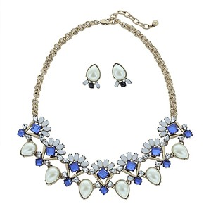 Hot Style Embellished Stone Statement Necklace Set!