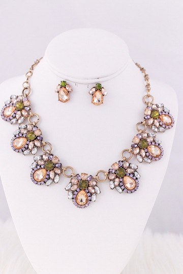 Other Best quality Statement Necklace Set