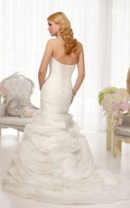 Essense Of Australia D1509 Wedding Dress