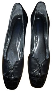 California Magdesians black Pumps