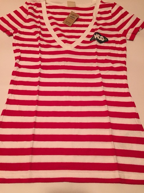 Hollister T Shirt Red And White Image 1