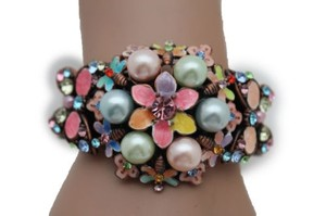 Other Women Bracelet Pearl Beads Bronze Metal Cuff Fashion Jewelry Flowers Butterfly