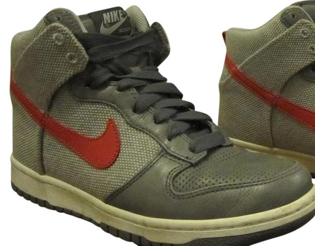 Nike Cool Grey and Pink Dunk High Premium Sneakers Size US 8.5 Regular (M, B) Nike Cool Grey and Pink Dunk High Premium Sneakers Size US 8.5 Regular (M, B) Image 1