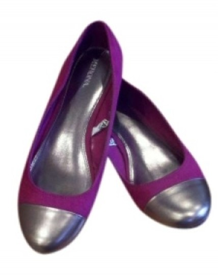 Preload https://item2.tradesy.com/images/merona-magenta-and-silver-cap-toe-target-trendy-flats-size-us-9-147771-0-0.jpg?width=440&height=440