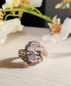 Gorgeous Vintage Style Cz Ring Size 8