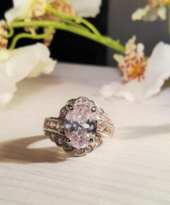 Gorgeous Vintage Style Cz Ring Size 6