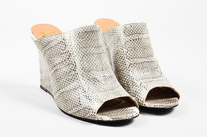 Vince Camuto Vc Signature Gray Mules