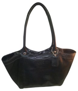 5f0827c42c2 Coach Leather Shoulder Great Excellent Tote in Black