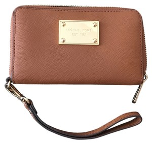 f31307843ea5 Michael Kors Tech Preppy Leather Travel Wristlet in Brown