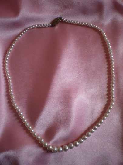 Other Like new Strand of faux pearls
