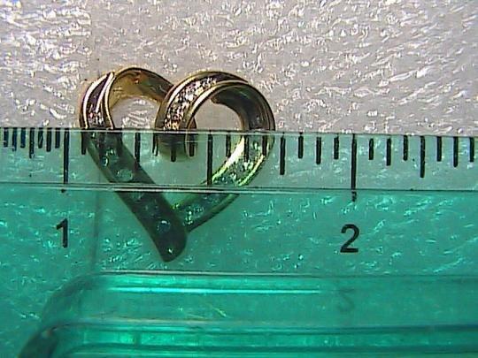 Unknown .25 cts 10k Solid Yellow Gold Diamond Heart Pendant (R1)