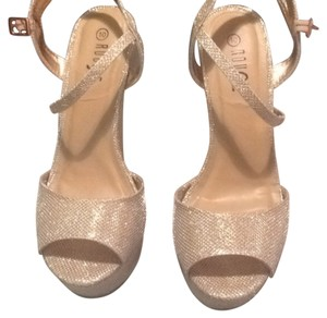 Rouge Rose gold Wedges