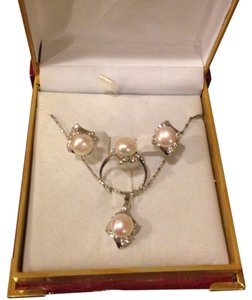 Nordstrom Genuine Fresh Water Pearl Jewelry Set Brand New In Box. Great Gift