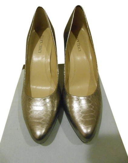 Ellen Tracy Pewter Metallic Pumps