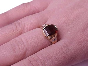 Estate Vintage 14k Yellow Gold Garnet Diamonds Ring ,1950's