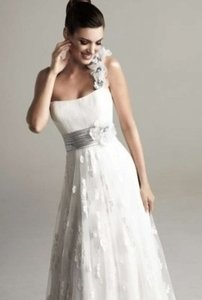 KittyChen Couture White April Casual Wedding Dress Size 4 (S)