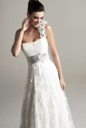 Preload https://img-static.tradesy.com/item/147923/kittychen-couture-white-april-casual-wedding-dress-size-4-s-0-0-540-540.jpg