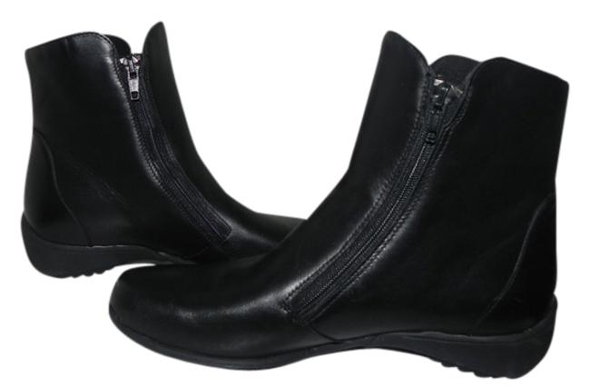 Munro American Black Drifter Boots/Booties Size US 5.5 Regular (M, B) Munro American Black Drifter Boots/Booties Size US 5.5 Regular (M, B) Image 1