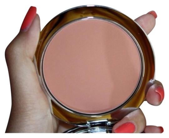 Preload https://item3.tradesy.com/images/urban-decay-foreplay-blush-1479862-0-0.jpg?width=440&height=440