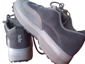 Nike Suede Sneakers Limited Edition Gray Athletic