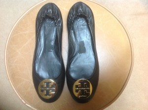 Tory Burch Designer Leather Classic Ballet Rounded Toe In Stores Now Black with gold medallion Flats