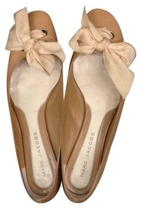 Marc Jacobs Tan Flats