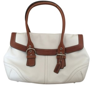 Coach Satchel in White/Brown