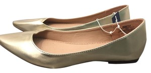 Old Navy Pointed Toe Gold Flats