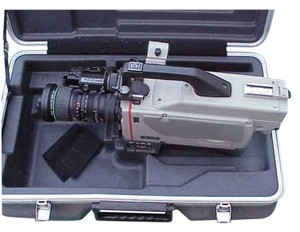 Sony Very Rare Sony DXC-M7 3CCD SD Studio TV Station Video Camera with Canon Vcl-915Bya 15x Lens in Hard Original Case