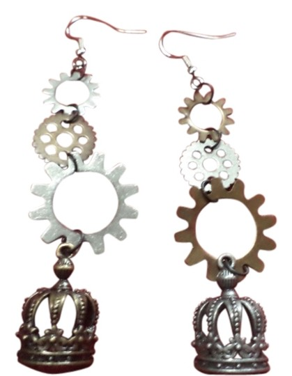 Preload https://img-static.tradesy.com/item/1481337/steampunk-earrings-0-0-540-540.jpg