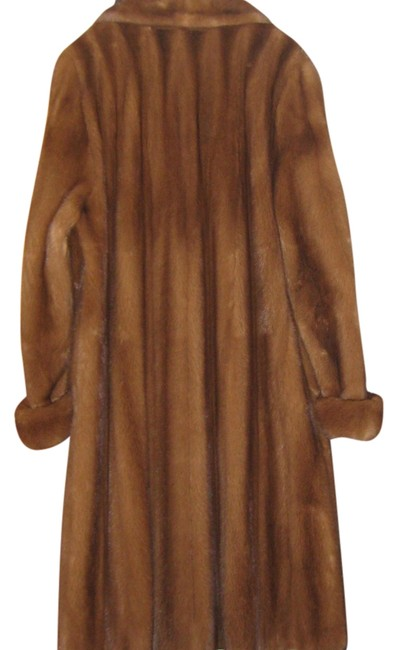 Preload https://img-static.tradesy.com/item/1481438/light-brown-custom-made-from-the-best-selection-of-mink-petals-slightly-scroll-style-coat-size-10-m-0-2-650-650.jpg