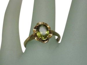 Other Unique Victorian 9K Yellow Gold 2.00ct Peridot Ring, late 1800s
