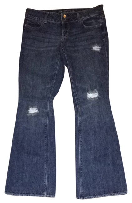 Preload https://item2.tradesy.com/images/american-eagle-outfitters-dark-rinse-artist-flare-leg-jeans-size-32-8-m-1481571-0-0.jpg?width=400&height=650
