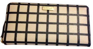 Kate Spade NEW!!! Tags Kate Spade Black Windowpane Zip Around Plaid Wallet