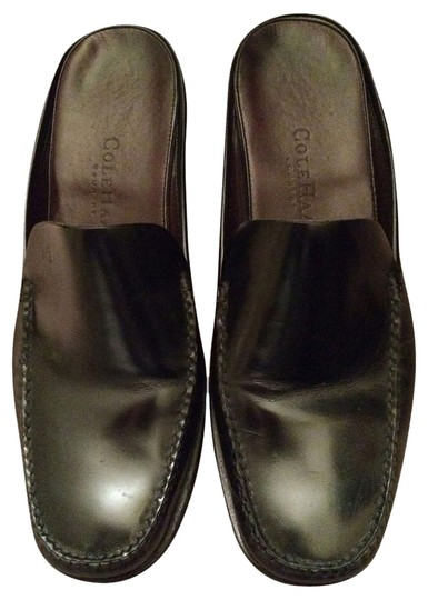 Preload https://item1.tradesy.com/images/cole-haan-slip-on-flat-black-flats-1482090-0-0.jpg?width=440&height=440