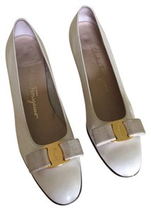Salvatore Ferragamo Off white Flats