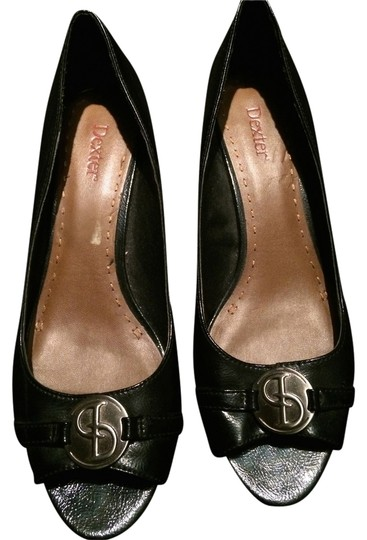 Preload https://item2.tradesy.com/images/dexter-black-and-silver-pumps-size-us-10-regular-m-b-1482151-0-0.jpg?width=440&height=440