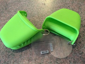 Crate And Barrel Mini Silicone Cooking Mitt