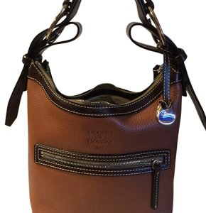 Dooney & Bourke Tote in Saddle