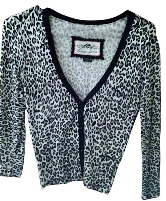 Preload https://item3.tradesy.com/images/guess-cardigan-size-0-xs-14821912-0-1.jpg?width=400&height=650