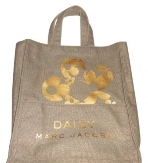 Preload https://item2.tradesy.com/images/marc-by-marc-jacobs-daisy-canvas-shopping-tan-cotton-tote-148221-0-0.jpg?width=440&height=440
