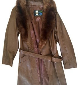 Vintage Breier of Amsterdam brown leather long jacket with fox fur trim and leather belt. Excellent condition! S/M Brown Leather Jacket