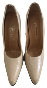 Two Lips Beige Pumps