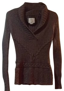 Old Navy Warm Cozy V-neck Sweater