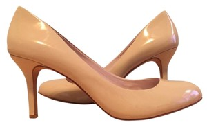 Vince Camuto Patent Leather nude Pumps