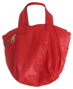 Gap Tote in Red
