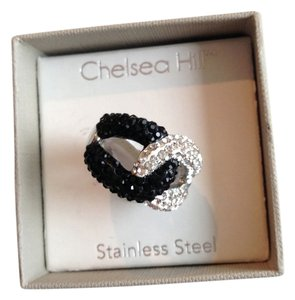 chelsea hill Love Knot ring