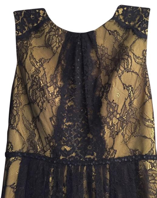 Item - Black Lace / Gold-yellow Underneath / Haute Couture Gown Long Formal Dress Size 4 (S)