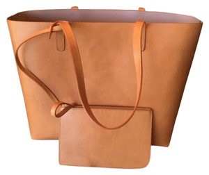 Mansur Gavriel Neutral Leather Camel Tote in Cammello/Antico