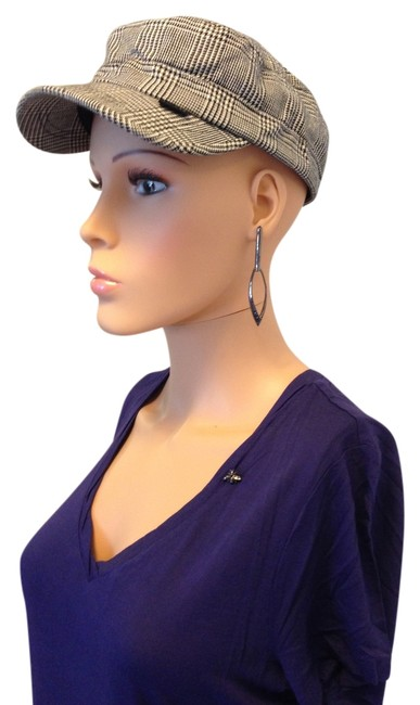 Item - Black and White Hounds-tooth Cap Hat